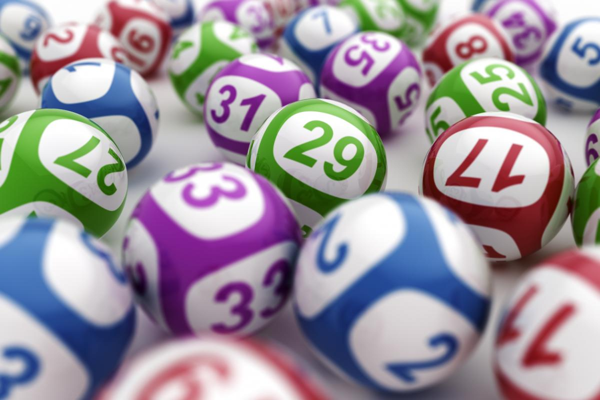 The Arizona Lottery's Not-So-Random Random Number Generator
